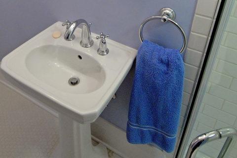 South Park Boulevard Guest Bath